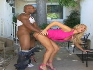 Vidéo porno mobile : Tall and sexy blonde fucked by a black guy